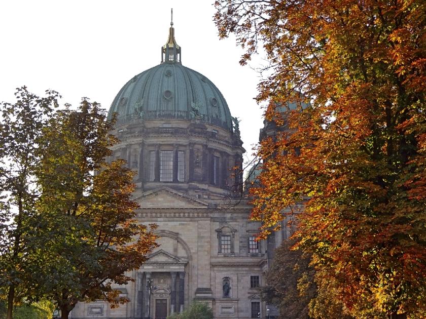 berliner-dom-herbst