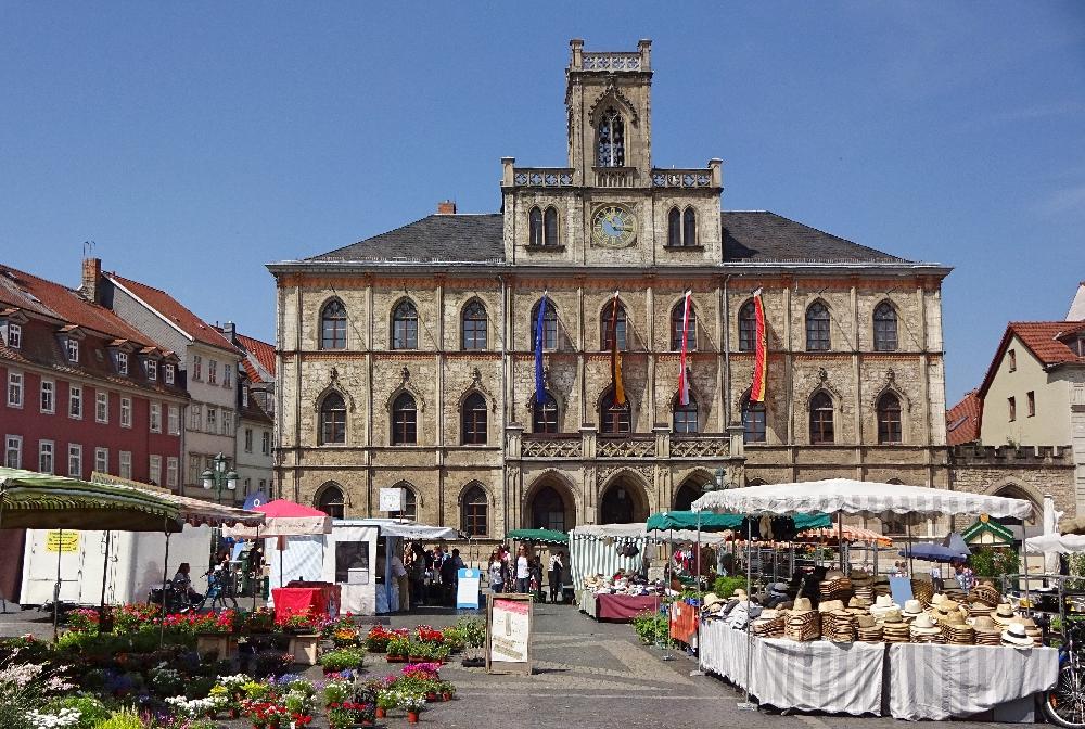 marktplatz-weimar-rathaus