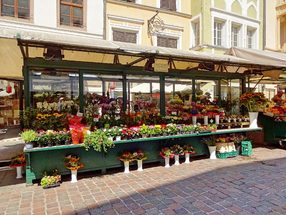 obstmarkt-piazza-delle-erbe-bozen