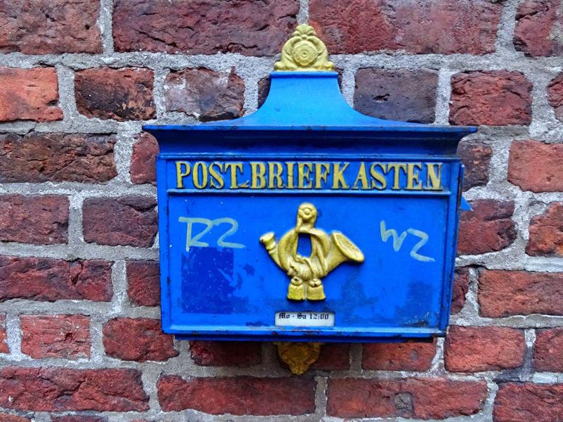 historischer-briefkasten-blau