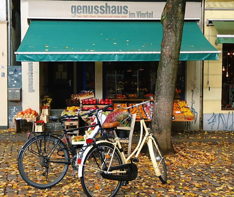 fahrräder-vor-lebensmittelladen
