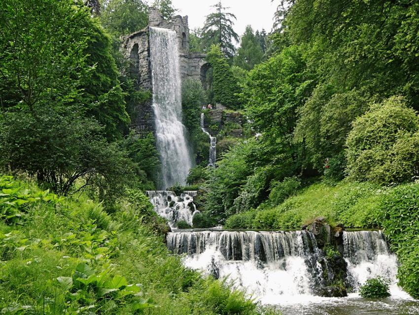 wasserfall-ueber-aquaedukt