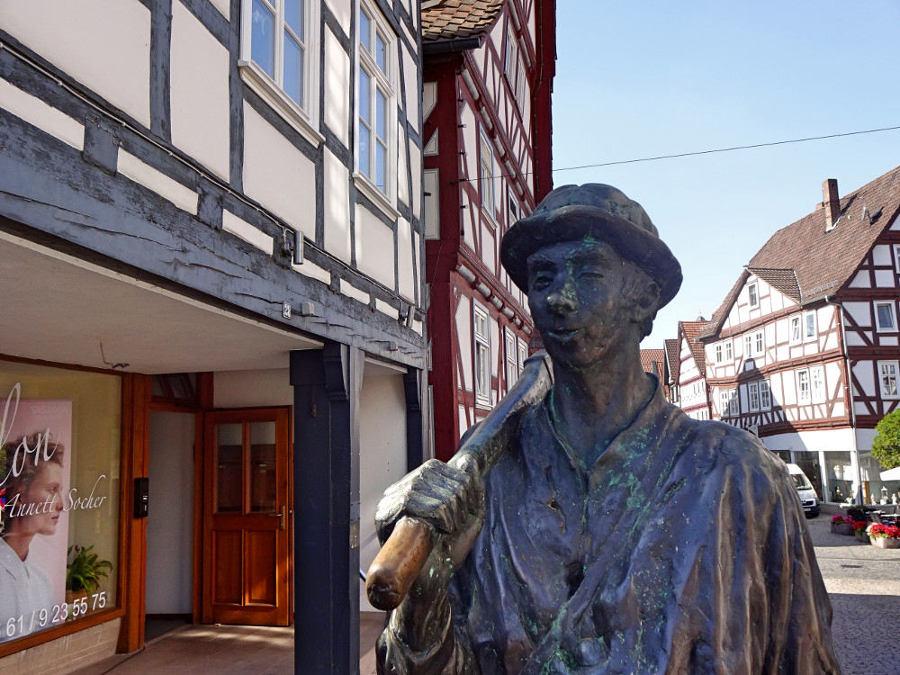 bartenwetzer-skulptur