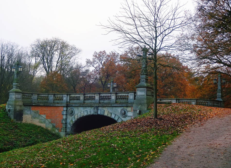 brueck-im-park