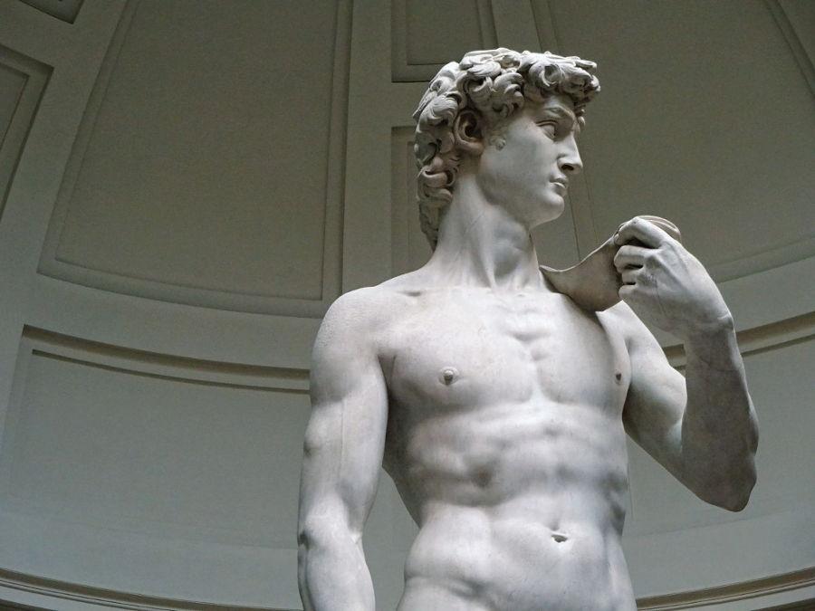 original-david-statue-im-museum