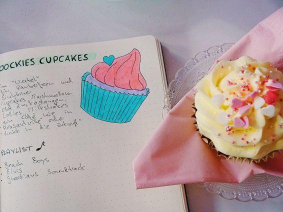 zeichnung-cupcake-neben-echtem-cupcake
