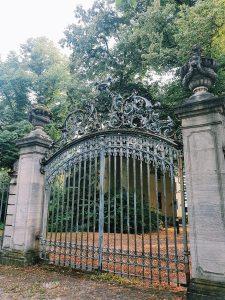 historisches-tor-im-park